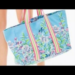 🌴 NWT LillyS LagooN TotE Bag Bali Blue Sway This